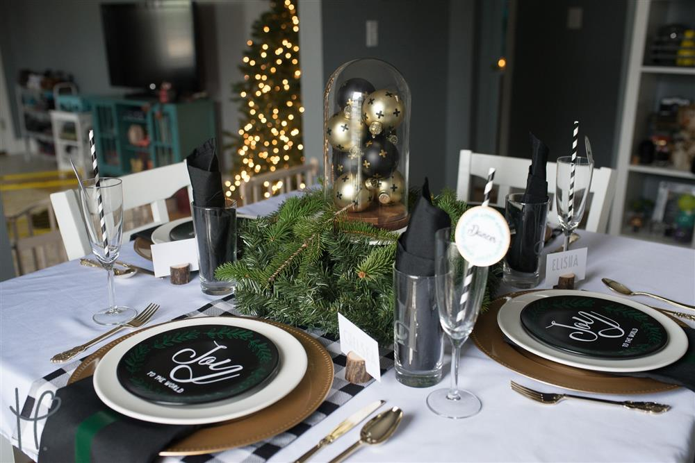 Vinyl Decoration Table : How to set the perfect table for christmas with vinyl
